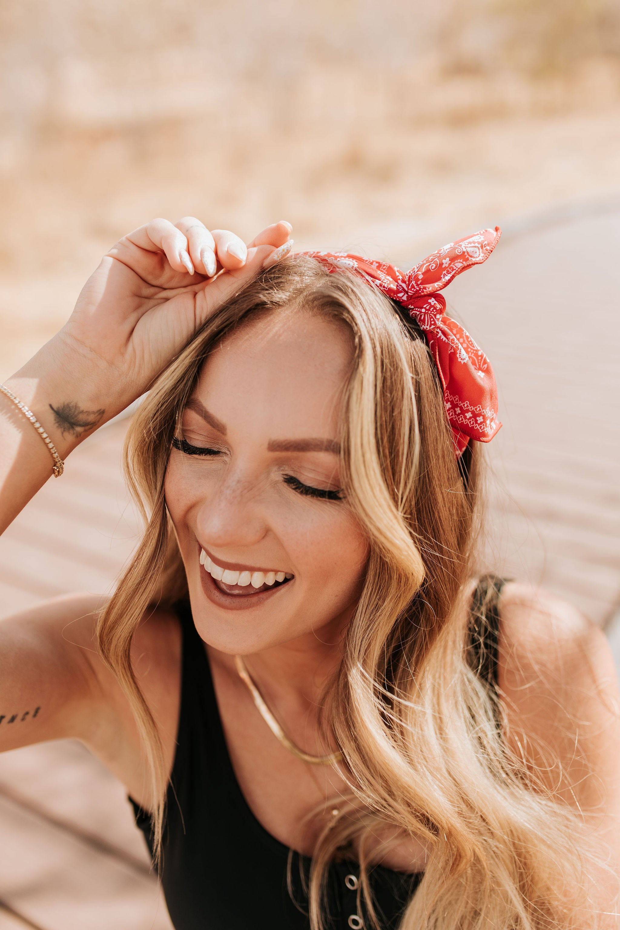 THE BANDANA KNOTTED HEADBAND IN RED