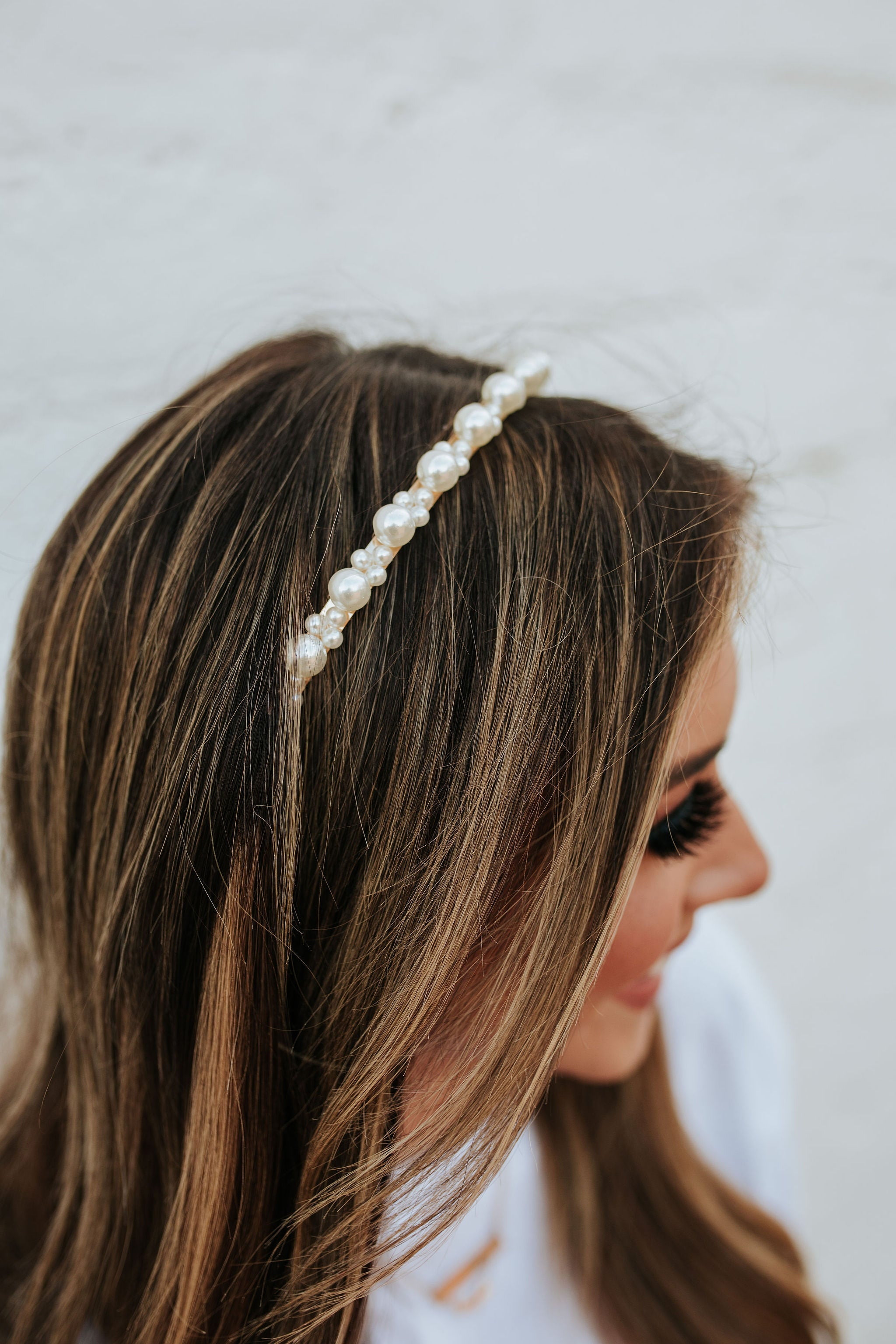 THE ISABELLE PEARL HEADBAND IN GOLD