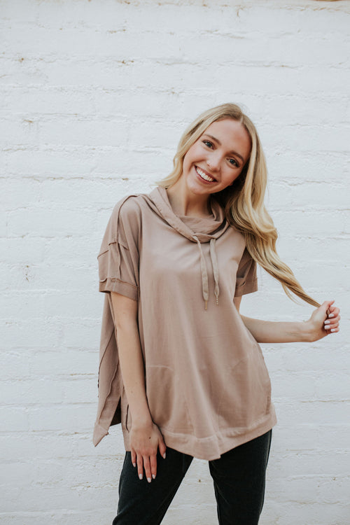 THE CHANDLER SHORT SLEEVE PULLOVER IN MOCHA