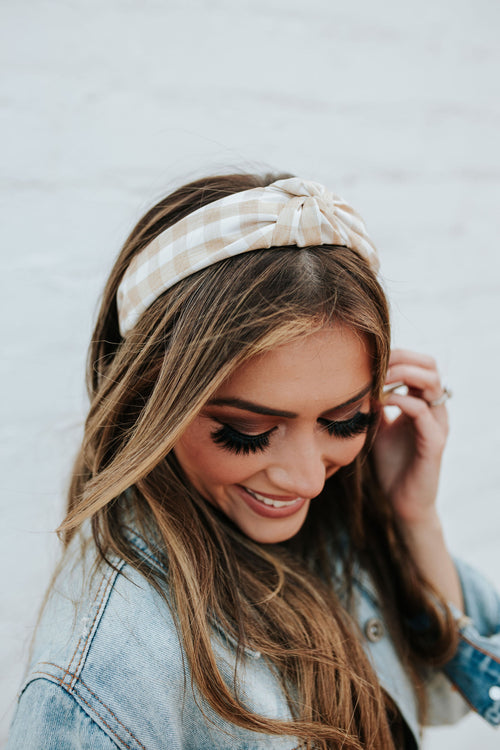 THE GINGHAM KNOTTED HEADBAND IN PALE YELLOW