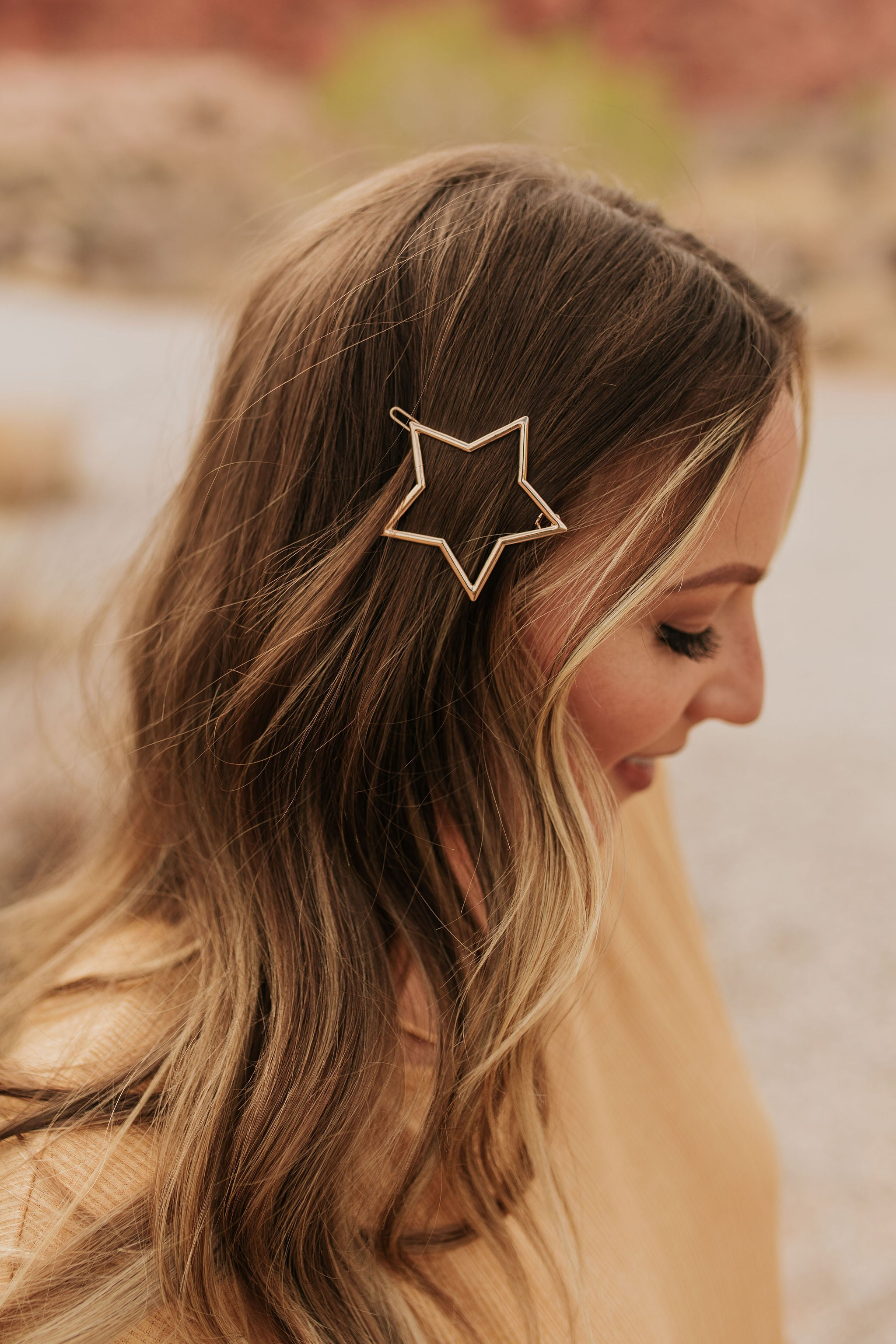 THE STAR HAIR PIN IN GOLD