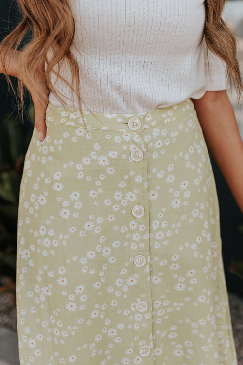 THE LAYING IN THE FLOWERS MIDI SKIRT IN LIME