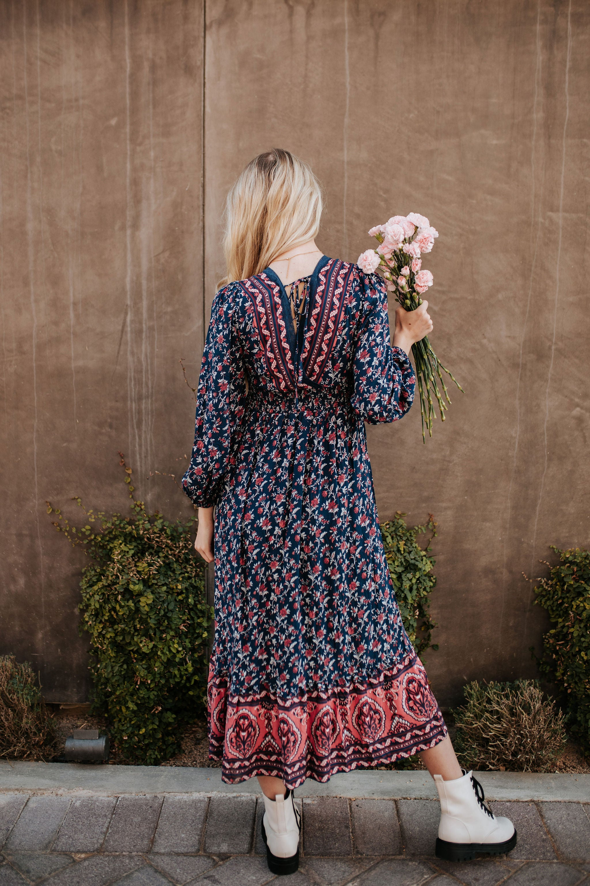 THE PRESLEY FLORAL MIDI DRESS IN NAVY