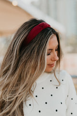 THE KNOTTED RIBBED HEADBAND IN BURGUNDY
