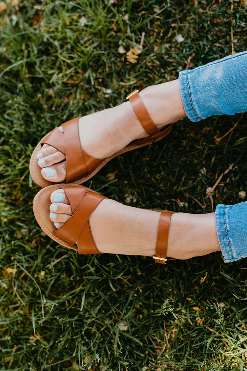 THE SHORELINE SANDAL IN TAN