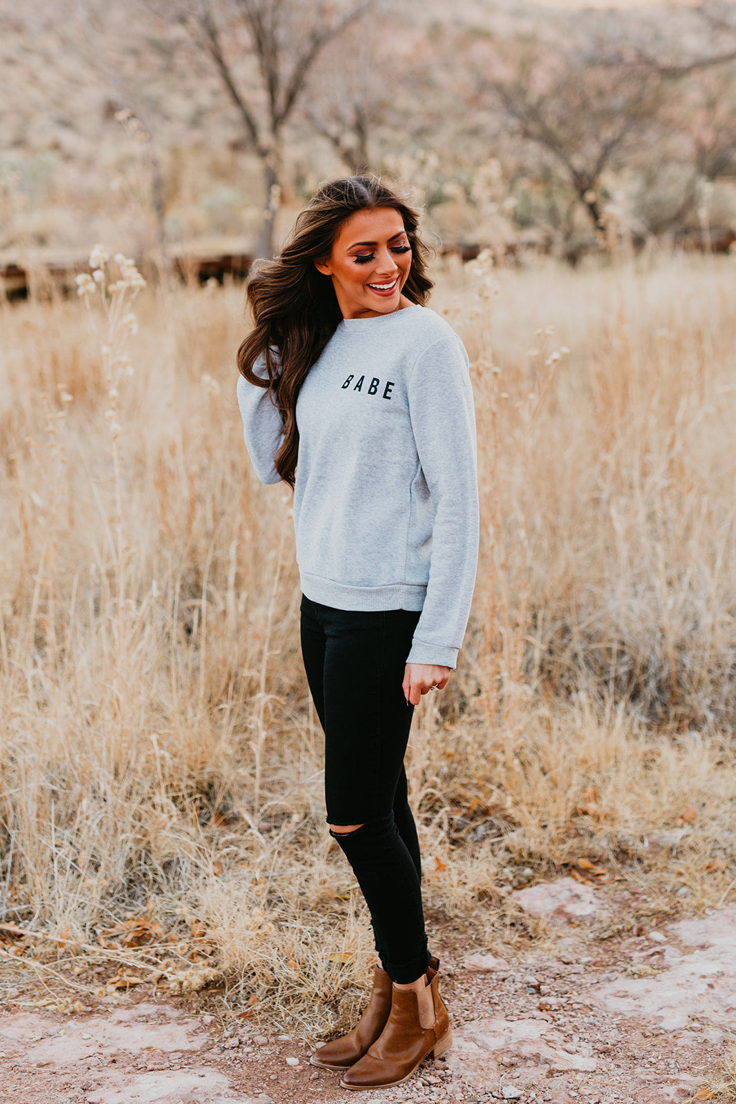 THE BABE SWEATSHIRT IN GREY