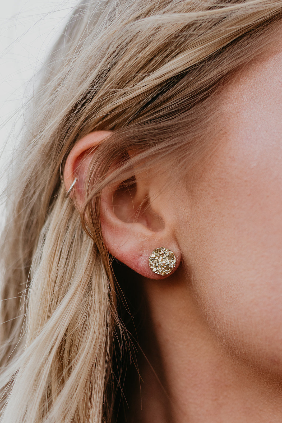 THE ROUND GOLD EARRINGS