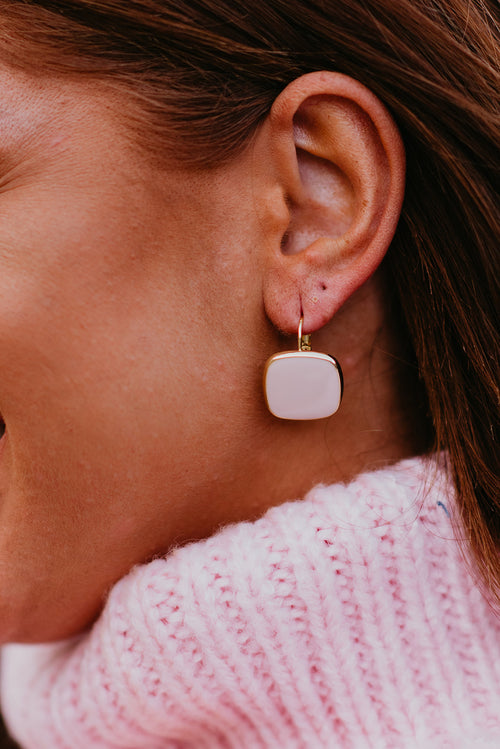 THE ROUNDED SQUARE EARRINGS IN BLUSH