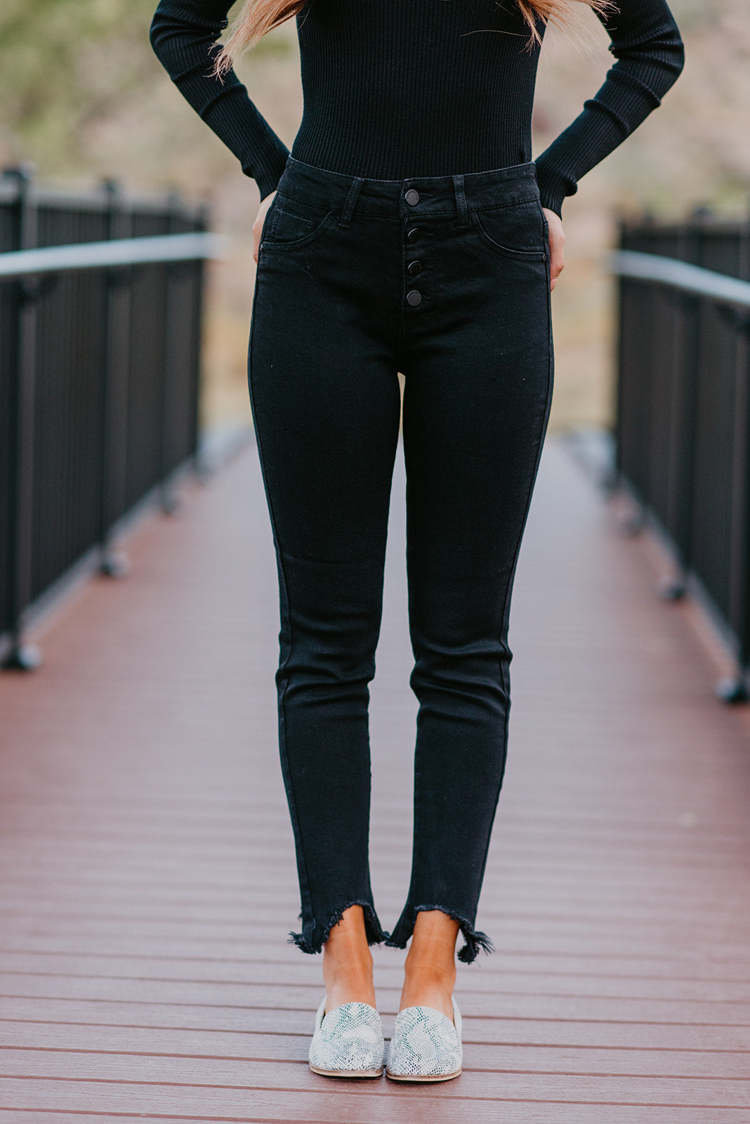 THE BUTTON FRONT SKINNY JEAN IN BLACK