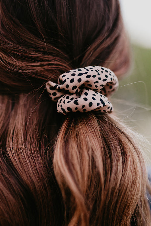 BROWN CHEETAH SCRUNCHIE