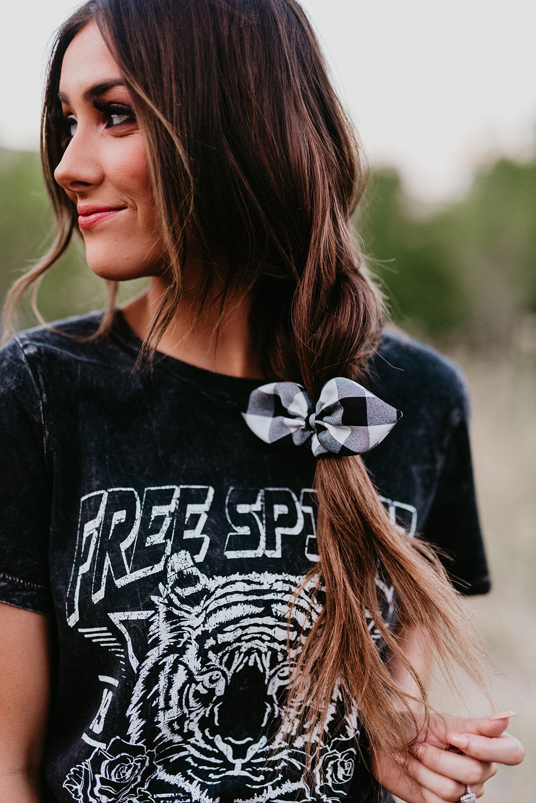 THE FREE SPIRIT GRAPHIC TEE IN MINERAL