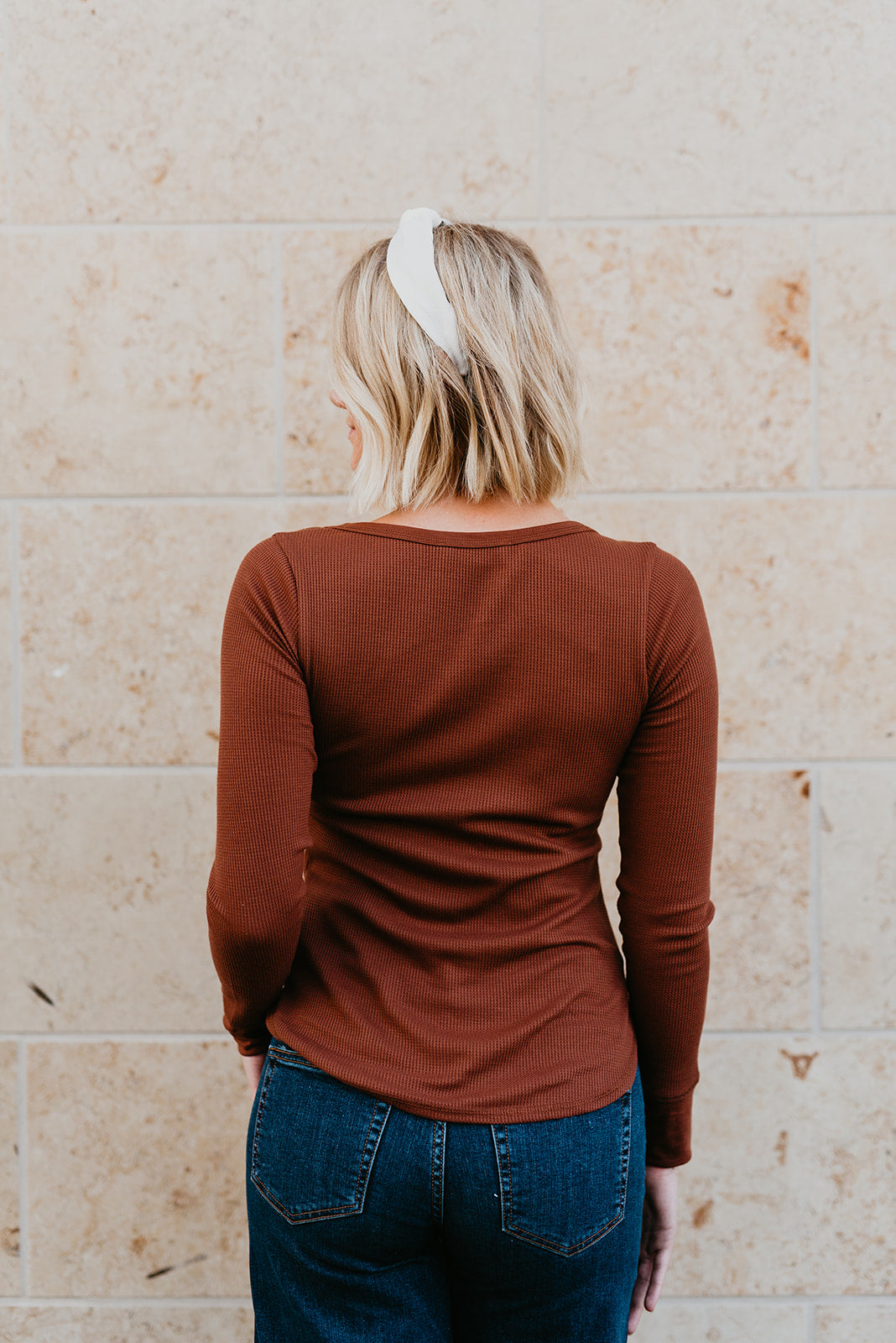 THE THATCHER THERMAL LONG SLEEVE IN LIGHT BROWN