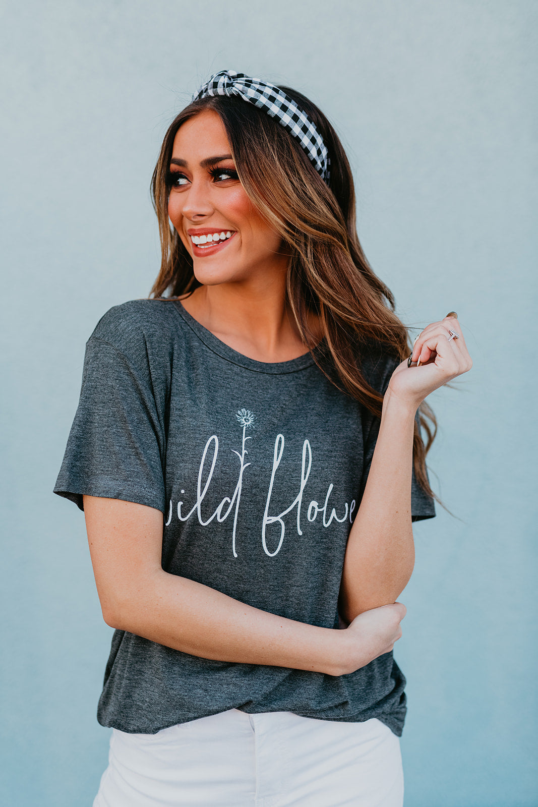THE WILD FLOWER GRAPHIC TEE IN CHARCOAL