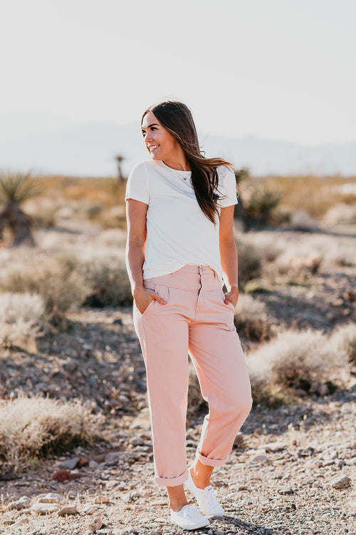 THE PARADISE PEGGED PANT IN MAUVE