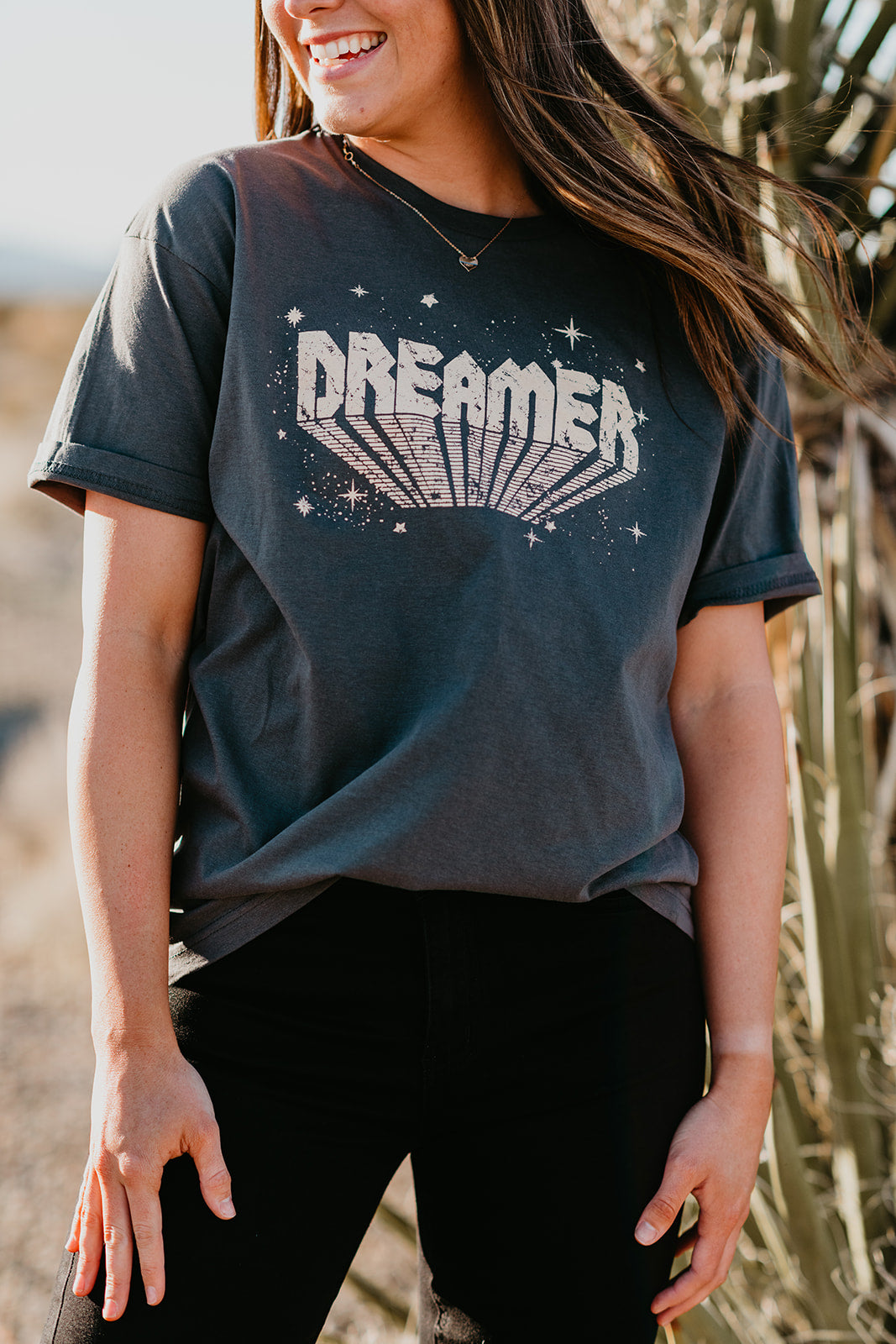 THE GOLD DREAMER GRAPHIC TEE IN CHARCOAL