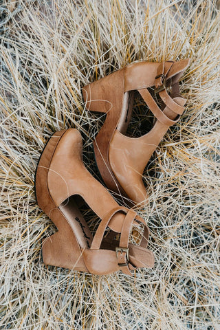 THE CABANA SLIDE IN TAN SUEDE