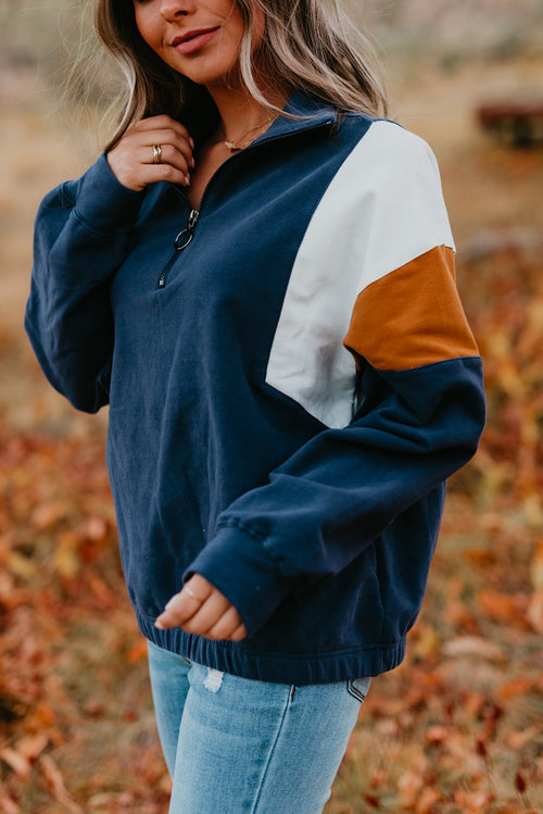 THE LYNN SWEATSHIRT IN NAVY