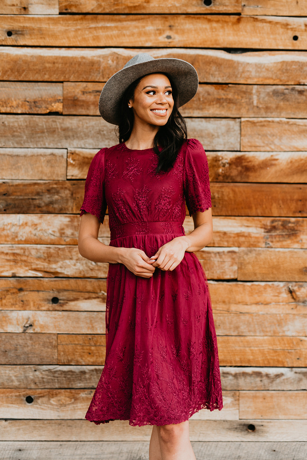 THE LANEY LACE MIDI DRESS IN WINE