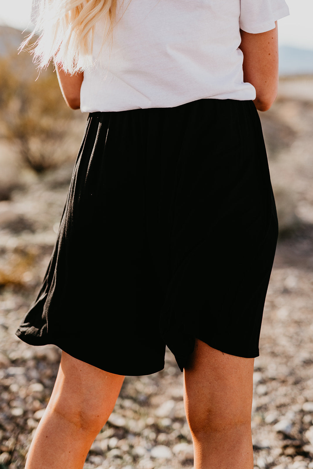 THE SHYLER CASUAL ELASTIC SHORTS IN BLACK