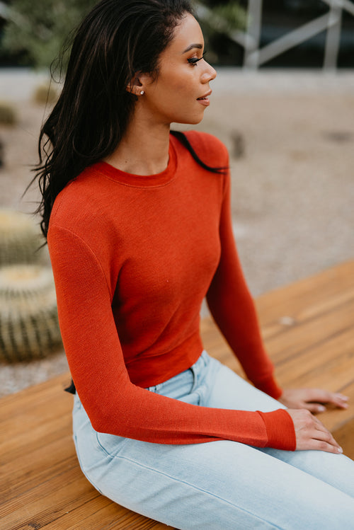 THE COLBIE CREW NECK CROP SWEATER IN RUST