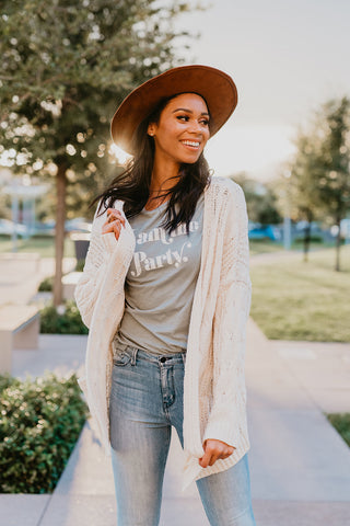 THE YES GIRL YES EMBROIDERED TEE IN IVORY