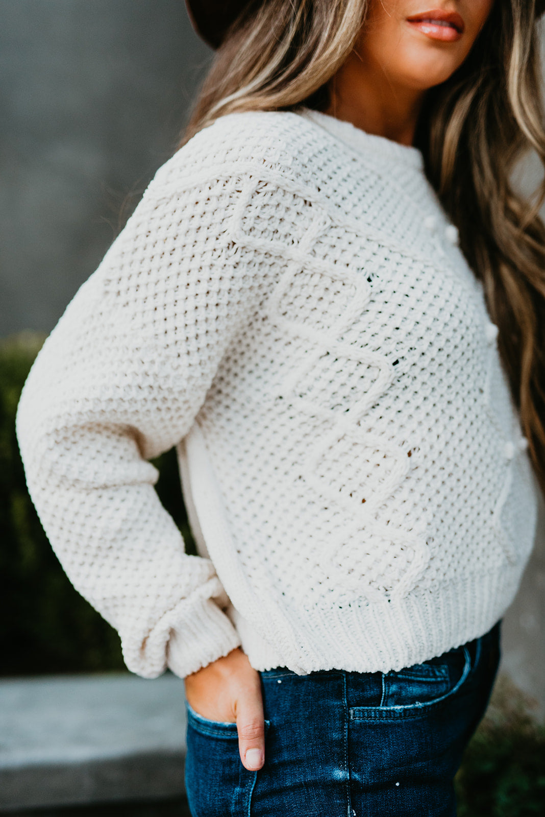 THE PAYTON PULLOVER SWEATER IN IVORY
