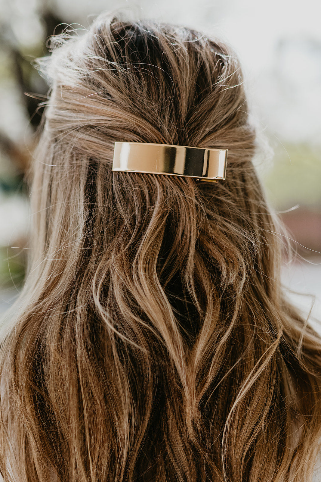 THE WIDE GOLD HAIR CLIP