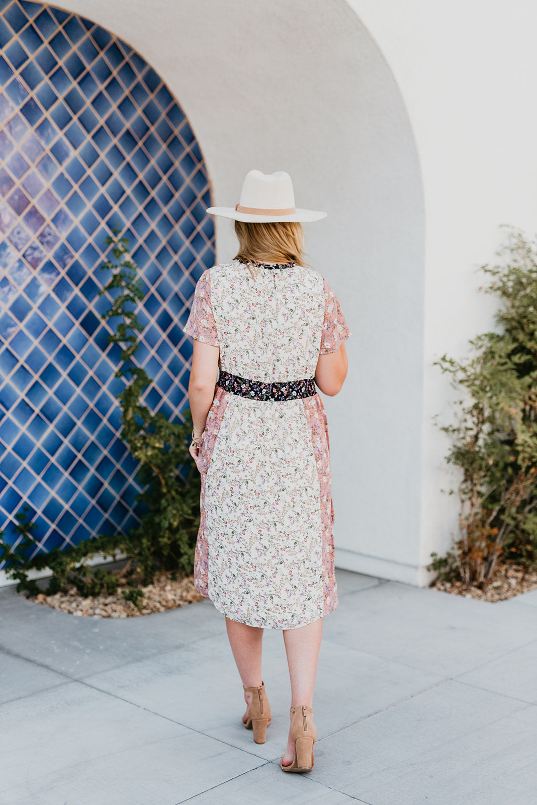 THE LOTTY FLORAL MIDI DRESS IN CREAM