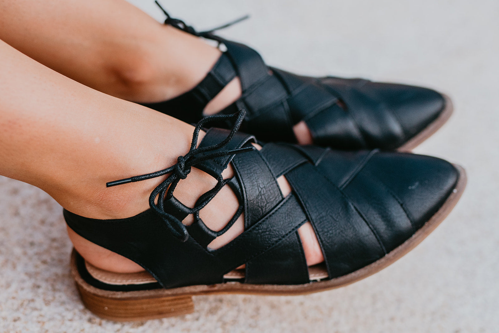 THE RICHIE WOVEN POINTY FLATS IN BLACK