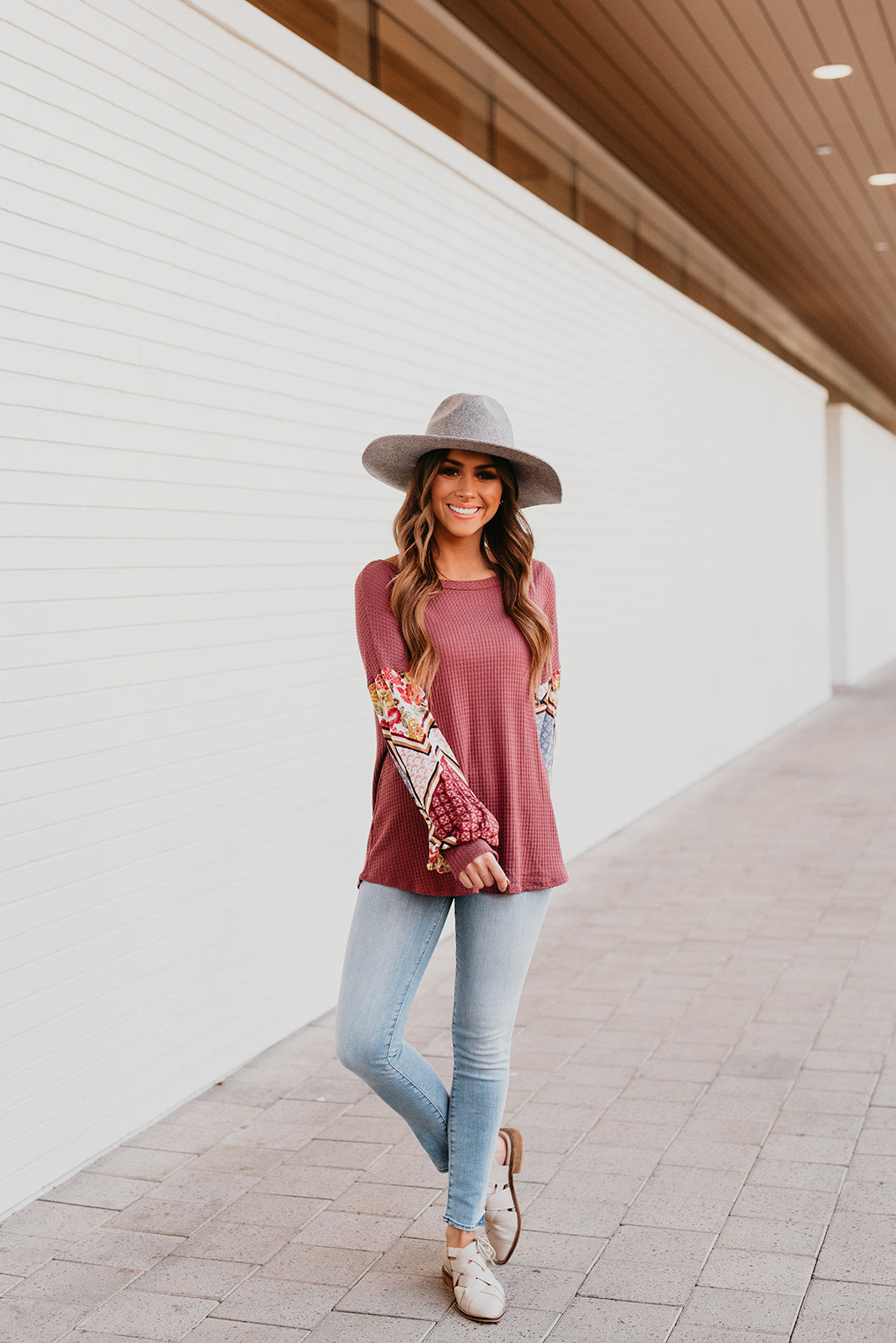 THE BRIDGETTE FLORAL BISHOP SLEEVE TOP IN MARSALA
