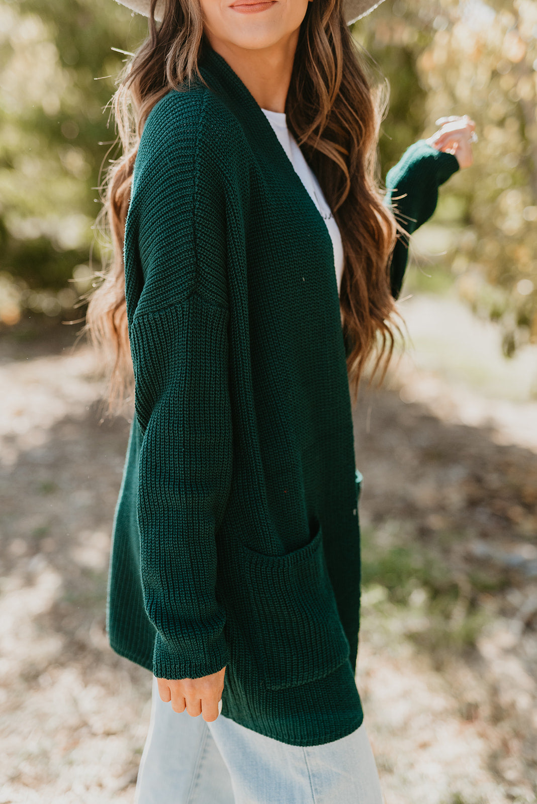 THE KENDALL SOLID KNIT CARDIGAN IN HUNTER GREEN