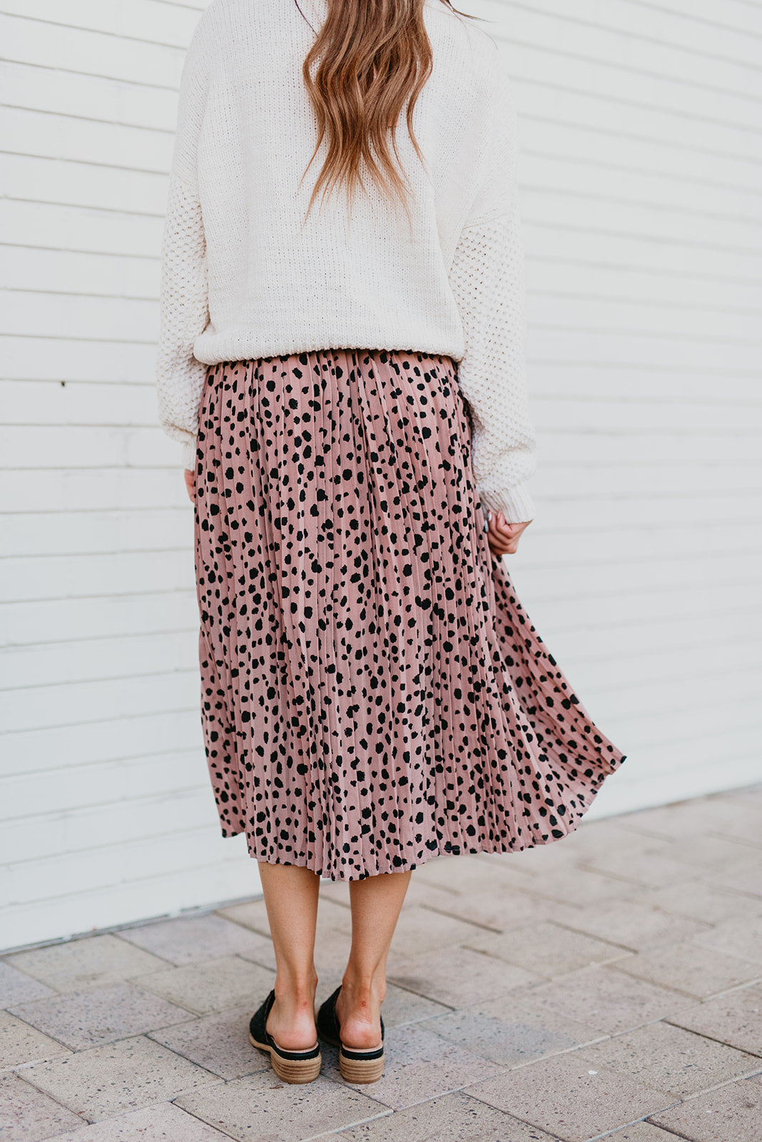 THE SOPHIE SPOTTED MIDI PLEATED SKIRT IN MAUVE