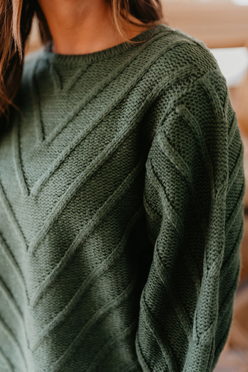 THE JOVIE CROPPED SWEATER IN HUNTER GREEN