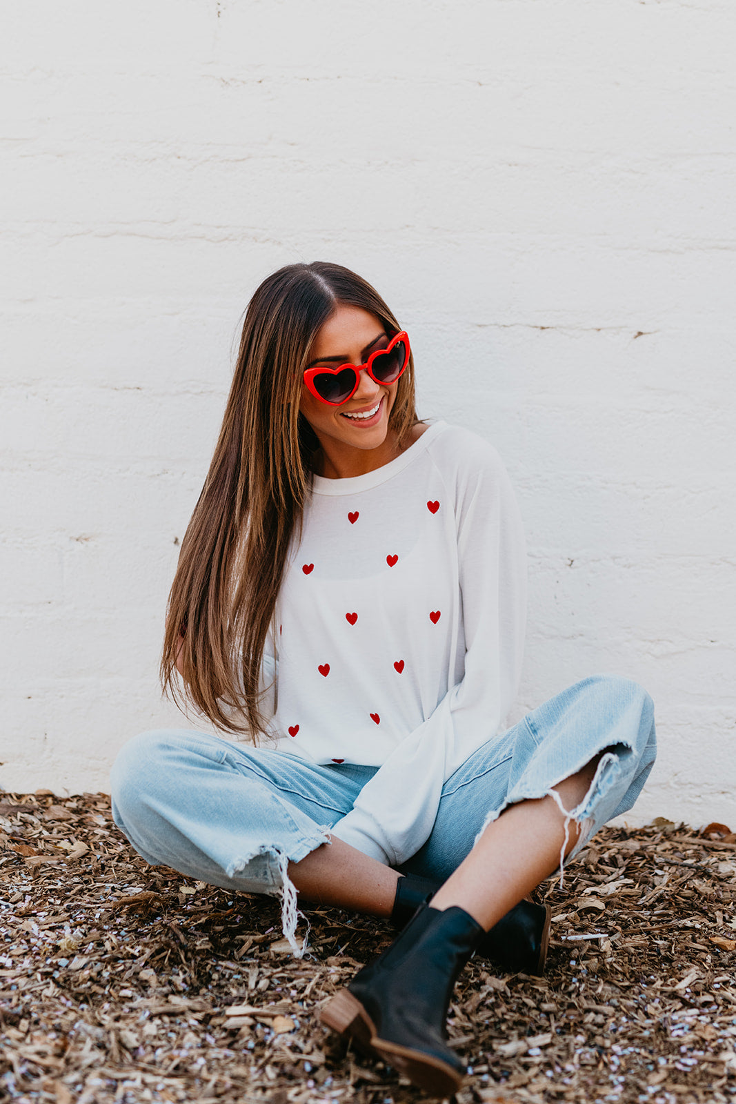 THE FOLLOW YOUR HEART SWEATSHIRT TOP IN OFF WHITE