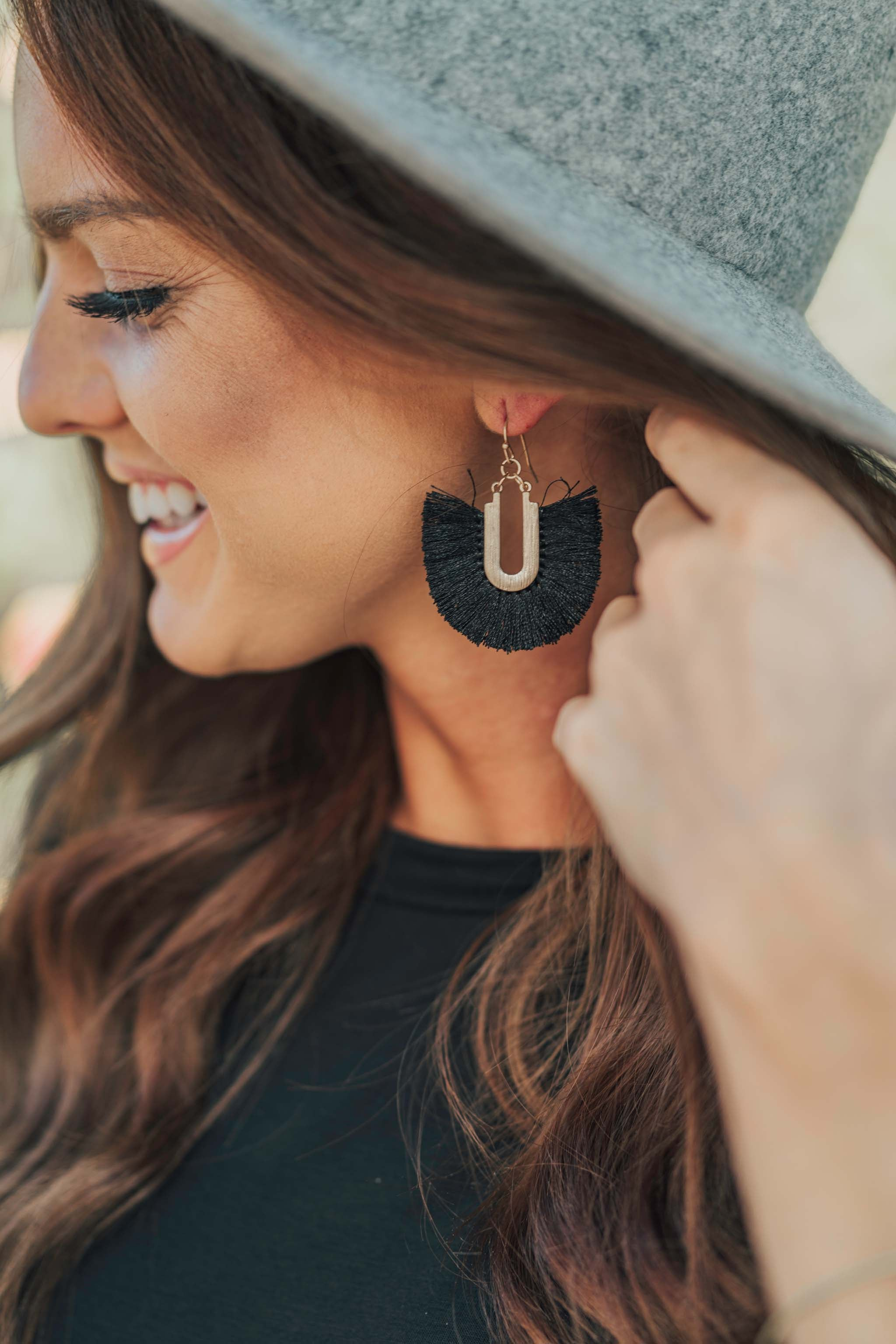 THE FRINGE EARRINGS IN BLACK