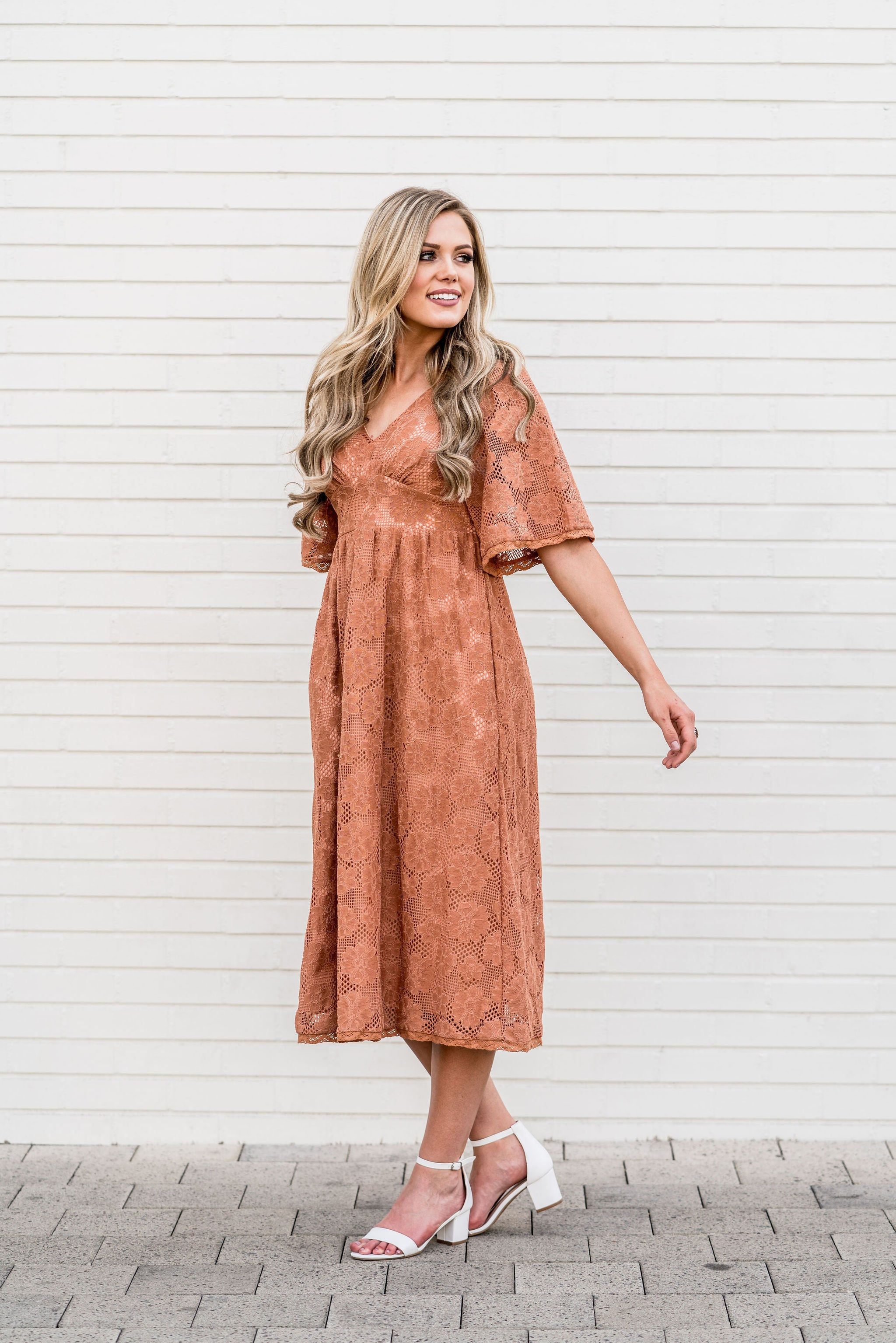 THE HARLOW TEXTURED MIDI DRESS IN BURNT ORANGE