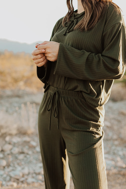 THE RILEE RIBBED LOUNGE SET IN OLIVE