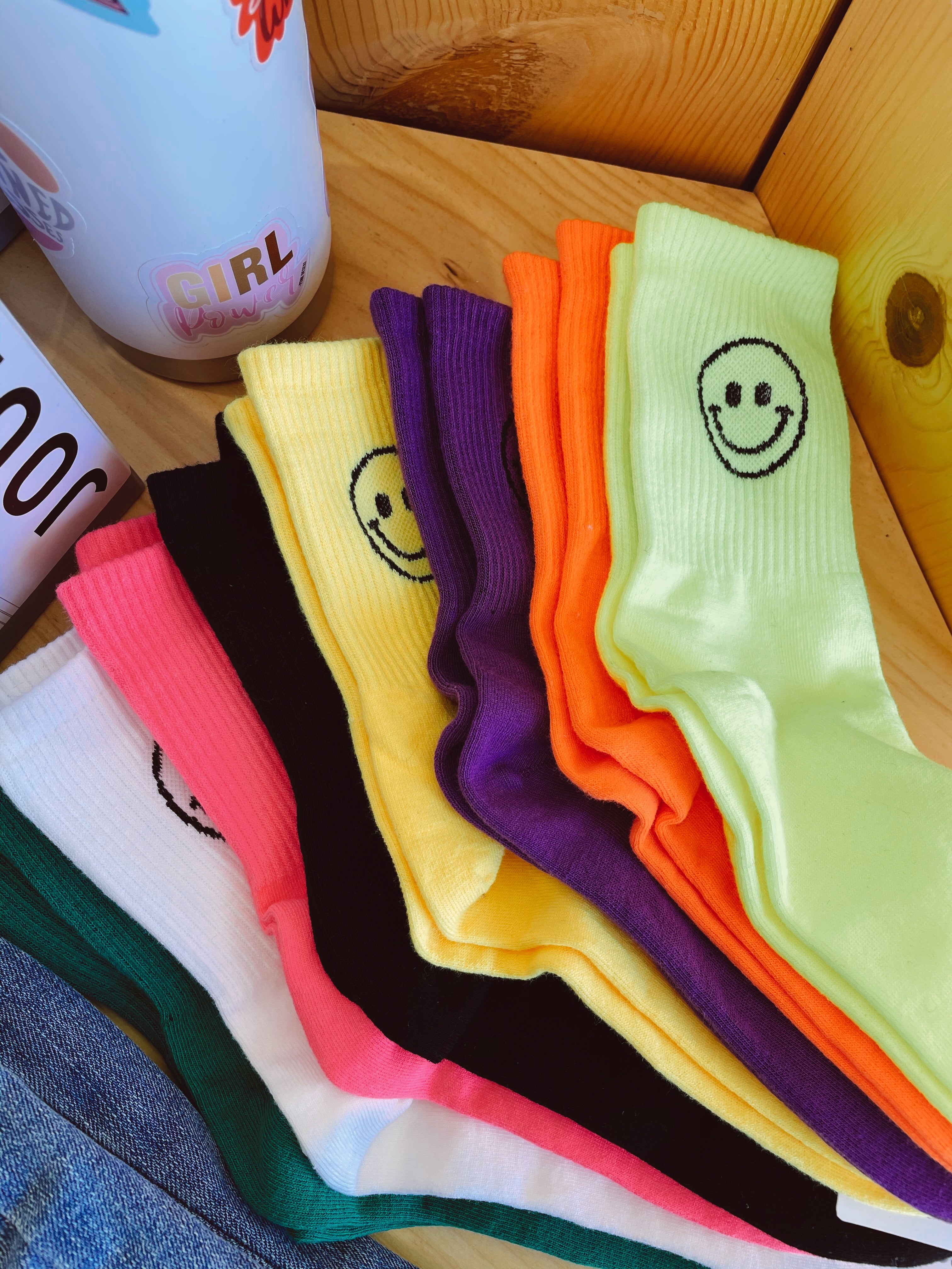 THE SMILEY FACE CREW SOCKS