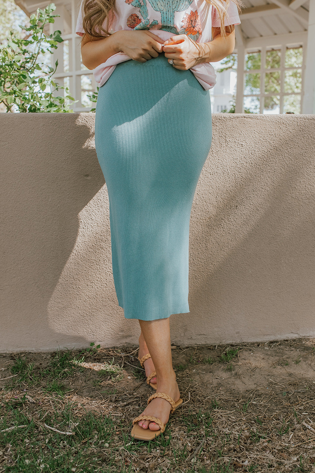 THE DENVER RIBBED FITTED SKIRT IN SAGE