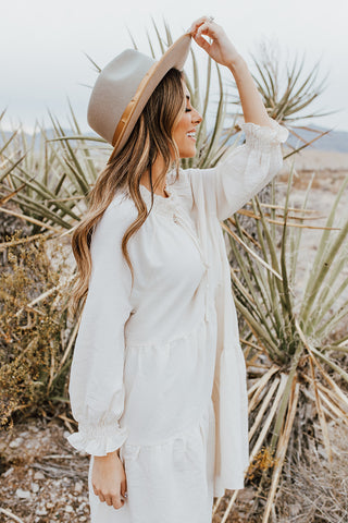 THE TEEGAN TURTLENECK TOP IN WHITE