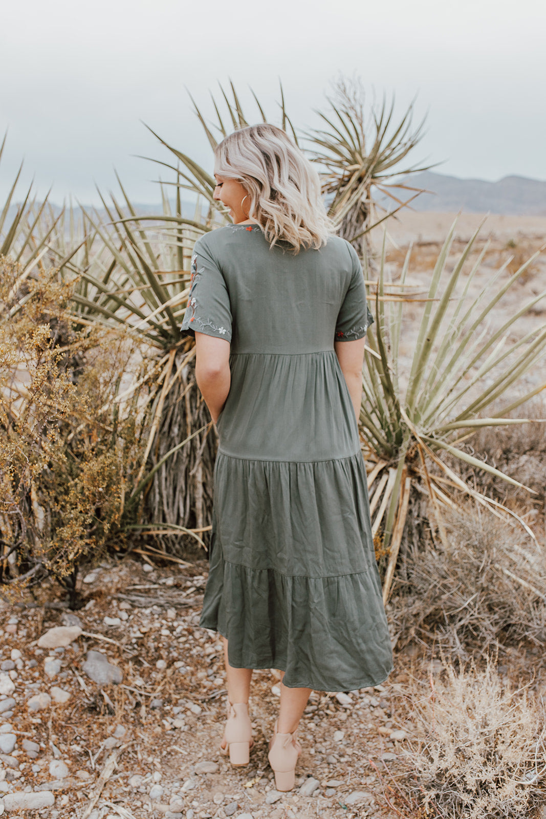 THE BEYOND WORDS EMBROIDERED MIDI DRESS IN JADE