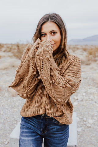 THE TRINITY TURTLENECK TOP IN OATMEAL
