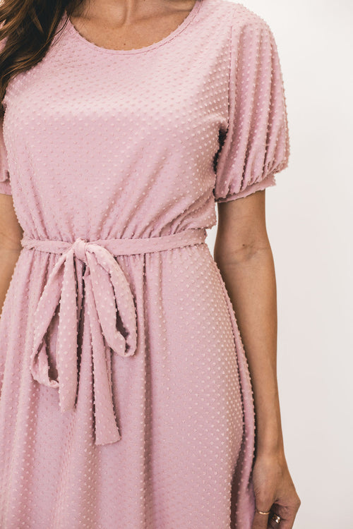 THE NICOLETTE SWISS DOT MIDI IN DUSTY PINK