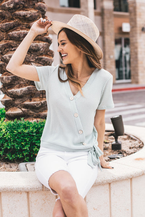 THE TILLY WOODEN BUTTON TOP IN MINT