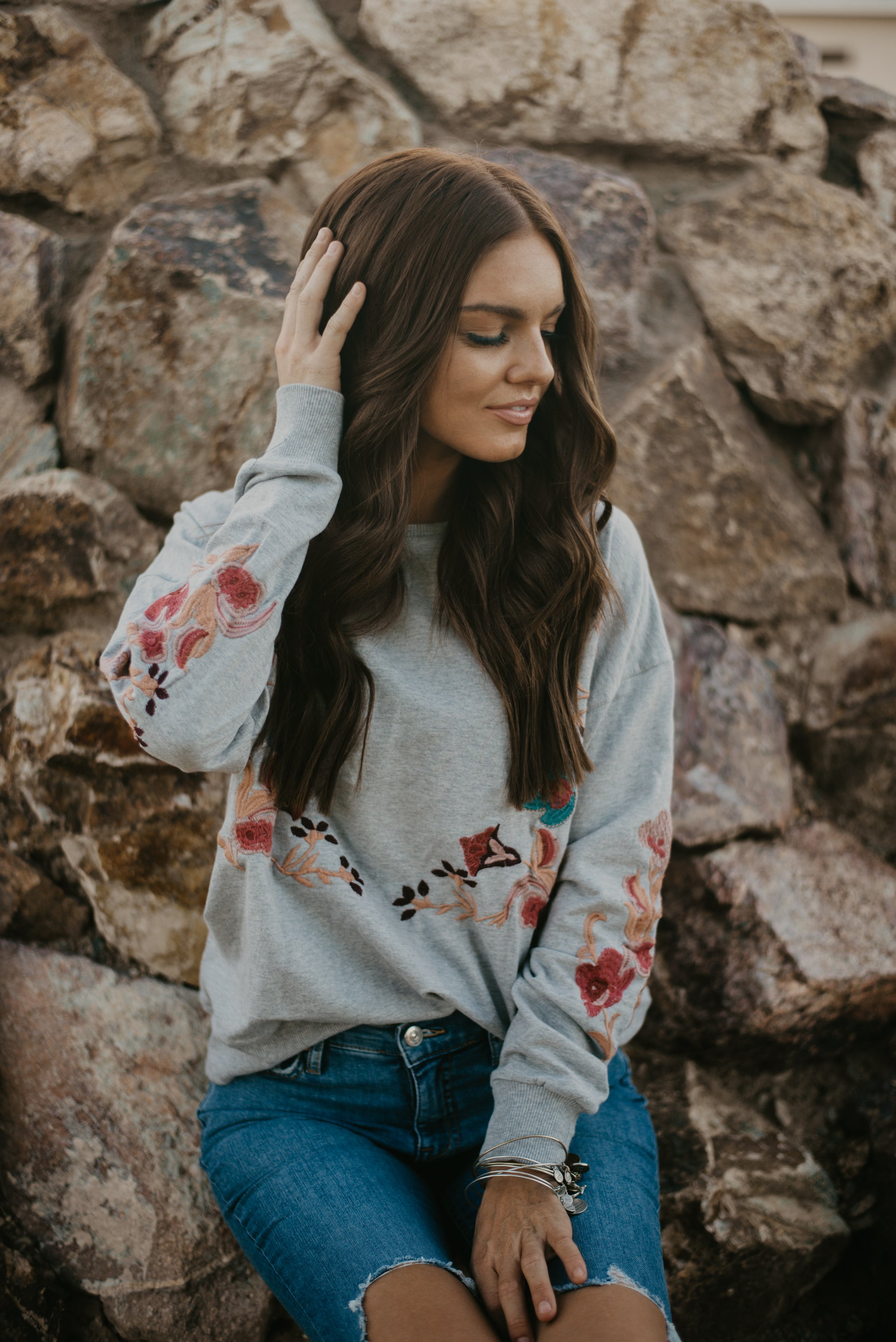 THE NICOLE EMBROIDERED SWEATSHIRT IN LIGHT GREY