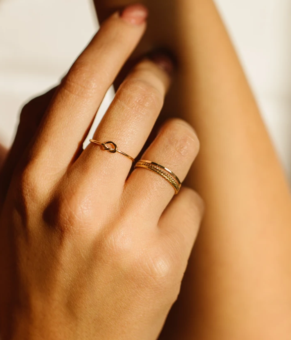 THE KNOT RING IN GOLD - MADE BY MARY
