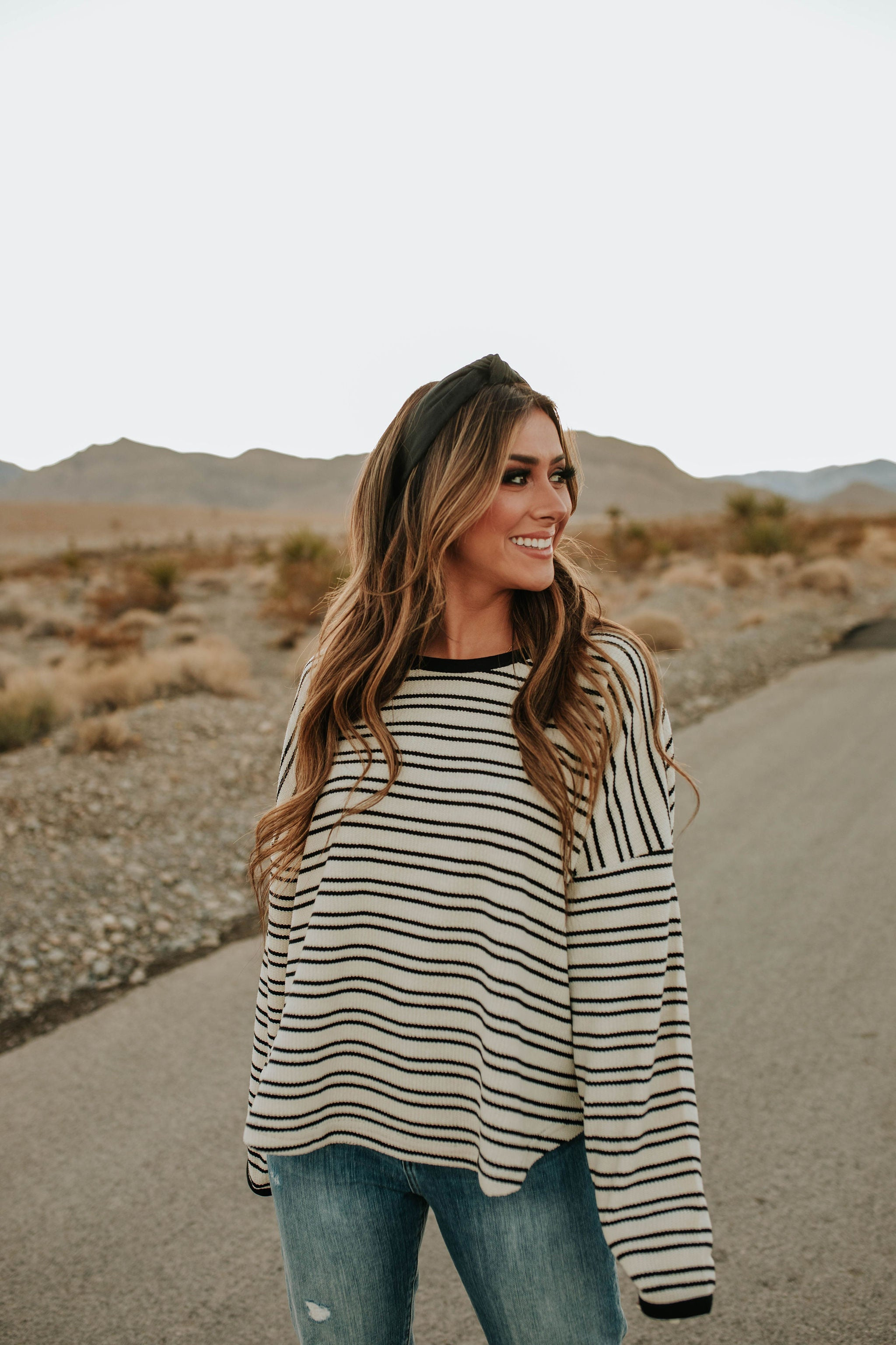THE SKYLAR STRIPED TOP IN IVORY AN BLACK
