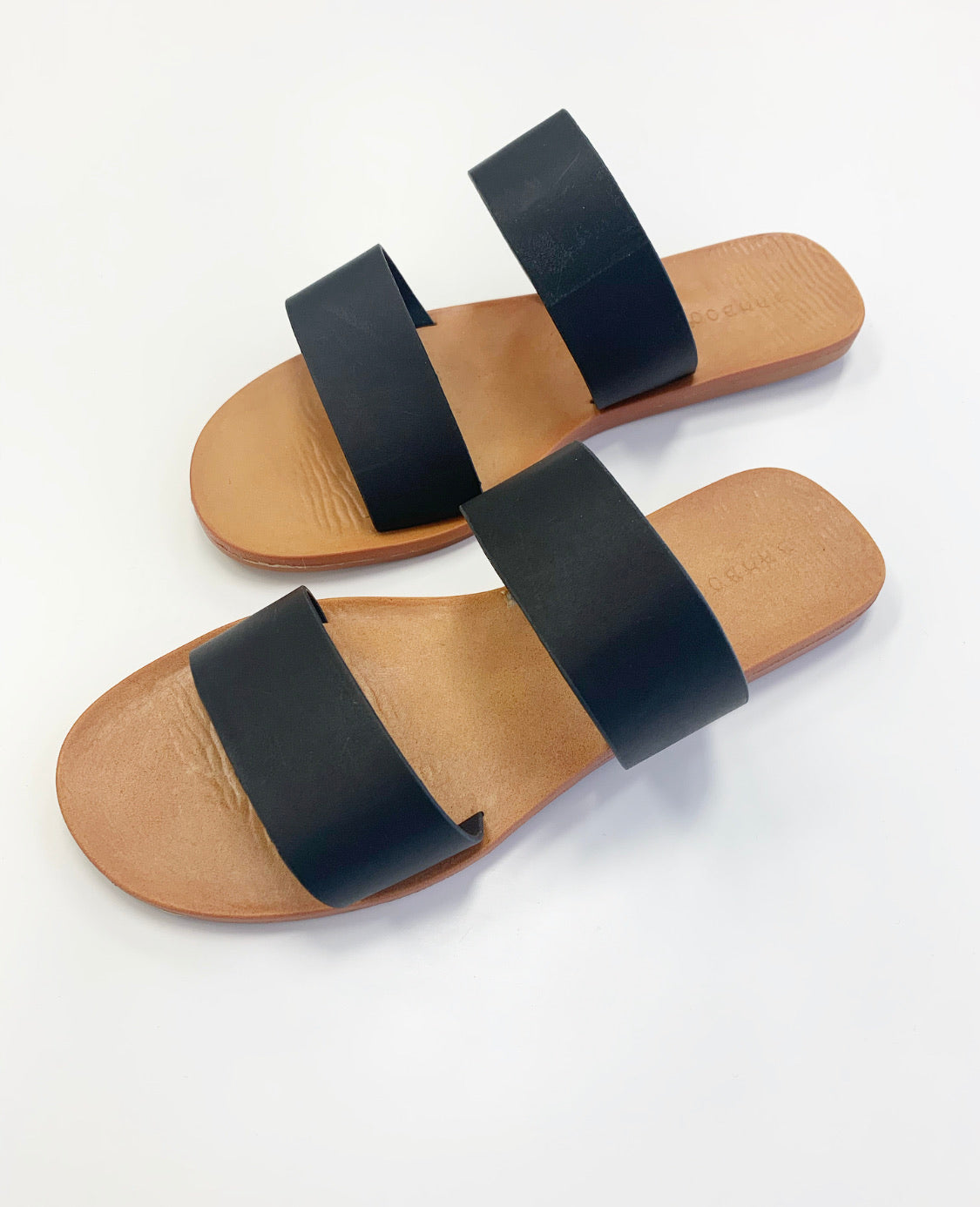 THE MOONBEAM SANDAL IN BLACK