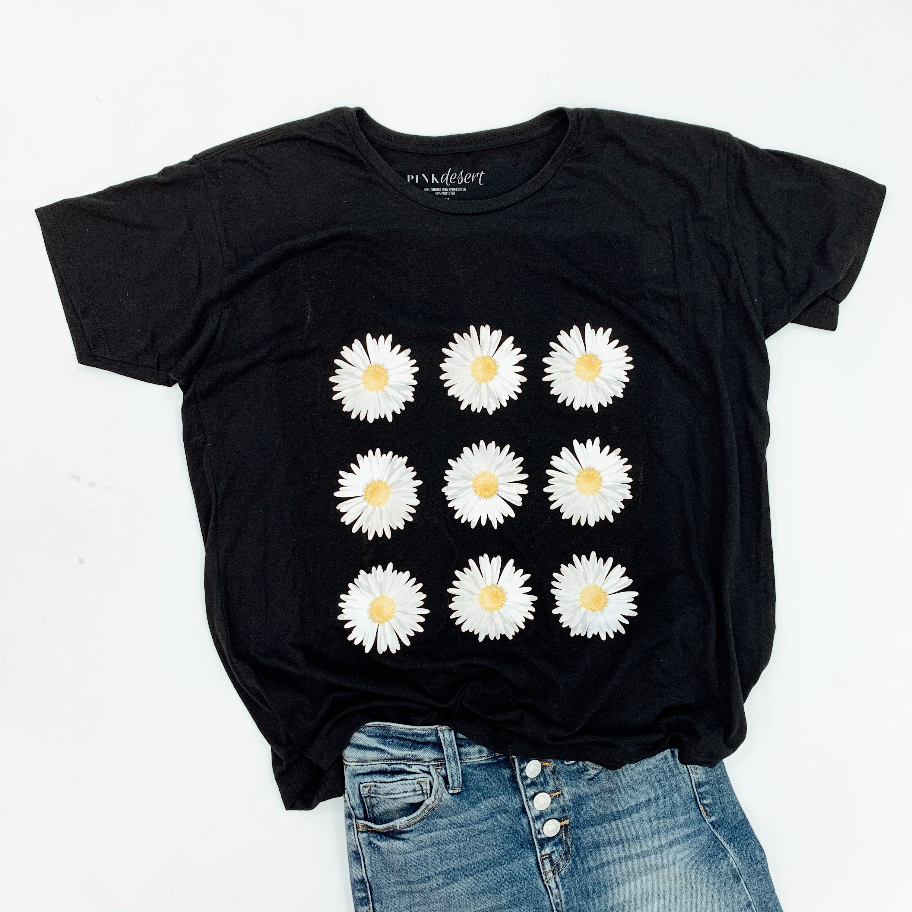 THE DAISY GRAPHIC TEE IN BLACK BY PINK DESERT