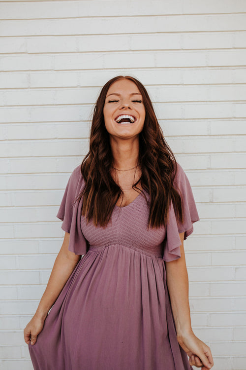 CATCH THE BREEZE MIDI DRESS IN MAUVE